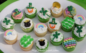 Now these cupcakes would be great for children since they contain leprechauns, four leaf clovers, pots of gold, and rainbows.