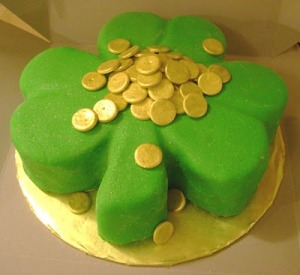 Of course, this would be more in the spirit of Saint Patrick's Day if it included a leprechaun, rainbow, and pot of gold but I don't think the baker had the budget.