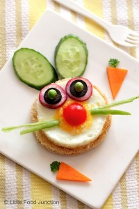 Now this bunny face includes cucumbers, carrots, cherry tomato, egg, onions, and peas. Still, adorable.