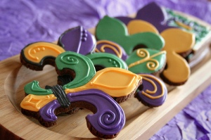 Of course, the Fleur de Lis is a symbol of France and the French royal family in the Bourbon dynasty days. It was even on France's flag until the French Revolution. Still, these cookies look delicious.
