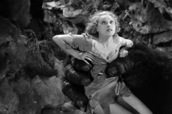 Fay Wray was most famous for playing Ann Darrow in King Kong in which she is the love interest to one of the biggest leading men Hollywood which was really a stuffed toy used in trick photography while terrorizing New York City.