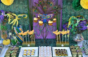 mardi-gras-dessert-table