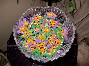 I'm not sure about the significance of stars on Mardi Gras but I think these pretzels are quite clever. Now where can I get pretzel stars in PA?