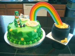 Of course, this cake needs 2 dishes since the pot of gold was made separately and is so big. Also, I don't know what to make of that leprechaun.