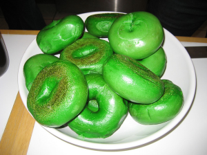 Now green dinners are one thing, but I'm not sure of what to make out with green bagels. Seriously, this green craze is getting a bit out of hand.