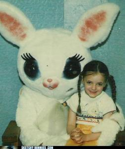 I know this is supposed to be a bunny. But it also seems like it's from a different world or in another dimension. Yet, it seems to have murder on the mind. That little girl better watch it.