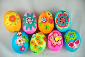 Sure love spring flowers and I think these beautiful eggs have great designs on them. Once again, someone must have too much time on their hands.