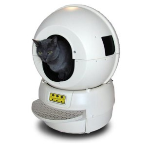 Now a self-cleaning litter box may seem like a great idea. But a self-cleaning litter box that resembles a space capsule? And for $399 from SkyMall? Please.