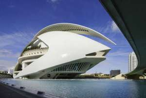 Hate to disappoint those UFO conspiracy theorists out there. But this is the Valencia Opera House (aka the Queen Sofia Palace of the Arts) in Spain. Of course, this would be a perfect place for a Spanish space opera if you get my drift.