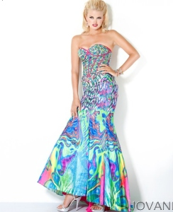 Man, just looking at this dress makes me feel like I'm tripping balls. Must be inspired by some kind of acid trip during the 1970s. Yeah, it's enough to make your prom date's eye sore.