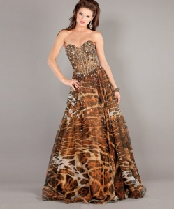 Take my advice, I hate animal prints. I think they take a reasonable looking gown and turn it into a tacky mess of poor taste. Seriously, it looks awful.