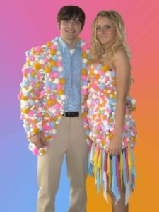 I don't see the appeal of Dippin' Dots as Ice Cream of the Future and the only place I've seen it sold is Kennywood anyway. Still, guess this couple is smarter to make their prom outfits.