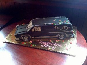Sure a hearse cake might be appropriate for someone who graduated from a mortuary school and plans on being a funeral director. But it's still kind of disturbing.