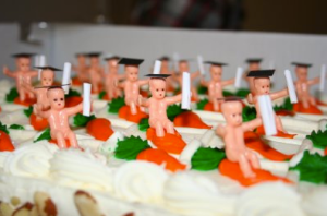 Yes, here's a graduation cake of naked babies on carrots. But this time they have caps and diplomas. Talk about creepy if you know what I mean. Yes, this is the stuff of nightmares.