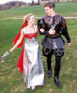 So that's how the first Blackadder managed to get laid and have descendants. Too bad women will soon find him repulsive and he'd be compelled to marry a child, but that's another episode. Oh, wait did they have prom in medieval England? Who cares.