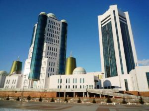 This is Kazakhstan's Parliament building in Astana. And yes, I know it seems like it's a combination of Soviet Russia, Vegas, and Dubai for all the wrong reasons.