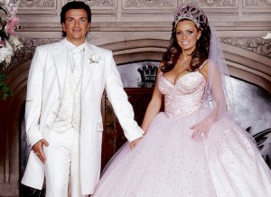 Okay, unlike the Barbie movies might imply, a Barbie princess dress doesn't hold up in real life, girls. Also, the guy doesn't look any better.