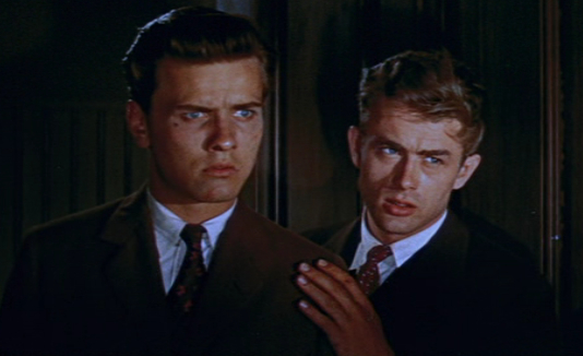 Richard_Davalos_and_James_Dean_in_East_of_Eden_trailer