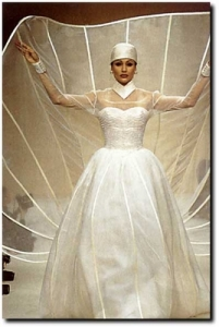 However, I'm not sure this satellite TV style wedding dress would get any good reception among wedding guests. Still, more appropriate for a sci-fi film than anything else.