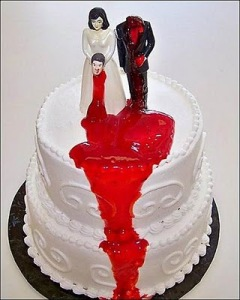 Okay, now this headless groom topper would be great for a divorce cake. But a wedding cake, c'mon, it's disturbing. Seriously, the bride looks like as if she's a new black widow than a new wife.