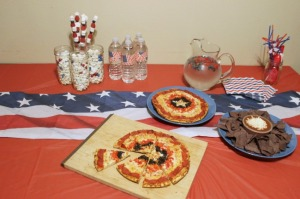 Now if you want an Avengers party, you might want to include things like Thor T-Bone Steaks, Ironman enchiladas, Hulk Hotdogs, Black Widow Burgers, Nick Fury Fries, and Hawkeye potato salad. You can serve these with some Loki lemonade if you want. But yeah, Captain America's shield does make a great design for a pizza.
