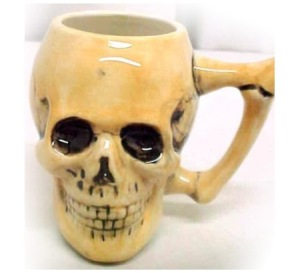 Now I'm sure people will freak out if you drink something from this one like red wine. Even if it is made from porcelain.