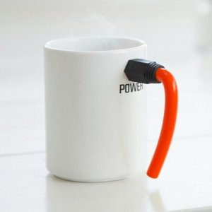 Of course, I'm sure the wire is fake but it seems to make a great handle. Still, I think this is a pretty inventive mug if you think about it.