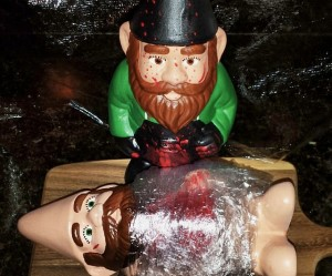 I'm sure nobody wants to mess with the Dexter gnome if he's in your garden. Still, he tends to kill his victims on the cutting board, which is fittingly enough. Nevertheless, he uses much less plastic than the one on TV.