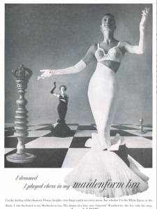My, what a big King there. Also, wonder where you can get those matching mermaid evening skirts with that bra. Still, seems like these women get their kicks above the waistline, sunshine.