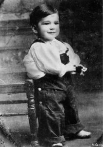 Now his baby picture is just simply adorable. However, the adult Humphrey Bogart isn't remembered for his cuteness. In fact, he's much more appealing for his, uh, personality.
