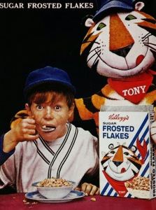 Unfortunately, you can't say the same for Tony the Tiger who looks as if he's about to do something bad to that kid. Yeah, the boy better look behind him and run. Still, I'm not a big fan of celebrity makeovers, but I think the people at Post made the right decision to give Tony the Tiger one. Just sayin.'