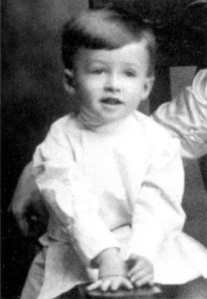 Now isn't this little guy handsome? Of course, he's adorable in his little outfit. Nevertheless, this boy from Indiana, Pennsylvania will grow up to play George Bailey from It's a Wonderful Life as well as obtain the rank of Major General in the Air Force Reserve.