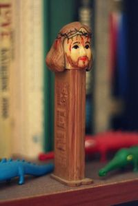 I don't know about you, but do you see anything wrong with making a Jesus pez dispenser like this? I mean the image of him bleeding from a crown of thorns really is nothing to commercialize like this. Seriously, this is ridiculous.