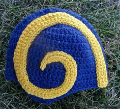 And it has a horn just like you see in the Rams's helmets. Made for a child, so I'm sorry if you older fans are disappointed.