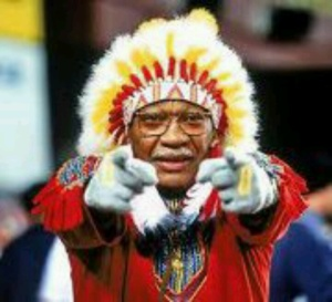 Yes, I know the outfit won't go well with Native Americans. But if I didn't include him, I'm sure Redskins fans won't let me hear the end of it. So there.