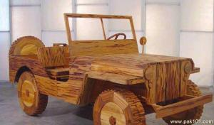 Yes, this is a wooden jeep. Easy to set fire to, but not meant to drive in. But still, it really looks like a jeep but with everything furnished.