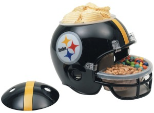 I have to admit, this is quite clever. Now the potato chips can be on top while the other stuff is situated at the face mask.