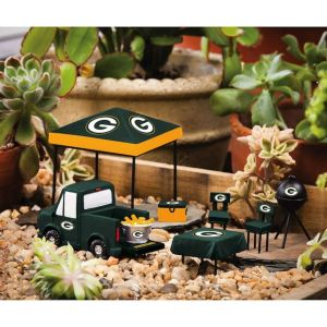 Don't really see miniature gardeners as football fans. But what do I know? Still, they sell stuff like this at SkyMall, just so you know.