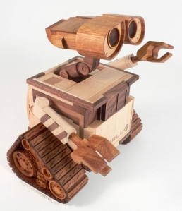 Now this is so cute. Wish they had one of EVE. Of course, I can see why a wood sculpture of that one wouldn't work.