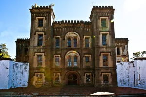 The Old Charleston Jail has had a long history that it has housed prisoners ranging from criminals, unruly slaves, pirates, and Union POWs. It's best known for executing a woman named Lavinia Fisher said to be America's first female serial killer.