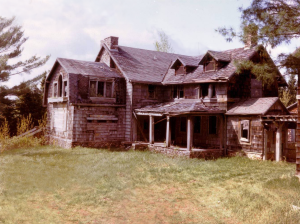 Summerwind is a mysterious place believed to have been built in the early 20th century as a fishing lodge. Said to be notoriously haunted from the time it was owned by Robert Lamont. However, most of the place was destroyed by a lightning fire in 1988. Only the foundation and chimney remain.