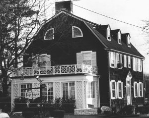 I decided to post an old picture of the Amityville Horror House out of respect that the community and owners have been  unhappy with the house's publicity. The believe what happened to the Lutz family in there after the DeFeo murders was a hoax. So if you like the Amityville Horror movies, for the love of God, keep the fuck out of there!