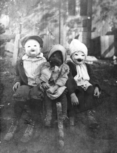 I know the kids are real little in this. But still, their costumes are simply terrifying beyond all reason. Maybe it's the masks. Maybe not.