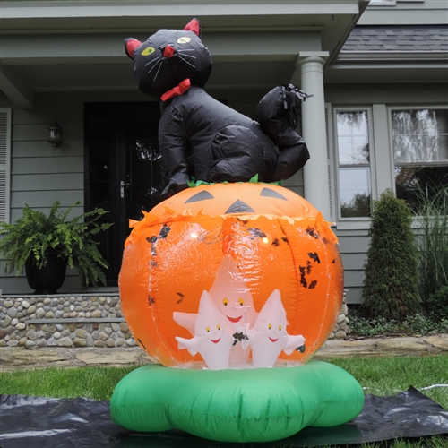 Spooktacular Fun with Halloween Inflatable Decorations - Odd Halloween Decorations