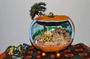 Finally, a pumpkin diorama with an appropriate mummy scene. However, I'm not sure if Egypt has that many palm trees near the Valley of Kings.