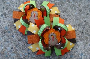 Now these are so adorable with some ribbons and felt. Still, probably worn by kids.