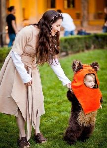 Now I'm sure an Ewok costume is quite easy to make. Just get a little teddy bear costume and hood. So adorable.
