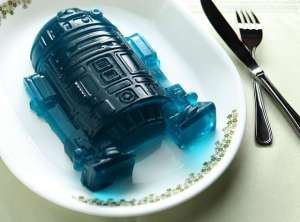 Now since R2-D2 has blue on him, this jello is blue. Apparently gray and white jello don't exist. Oh yeah, white jello does but it's disgusting.