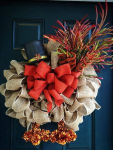 Yes, I know it's another burlap turkey wreath. But this has a brighter disposition wit the vibrant orange bow.