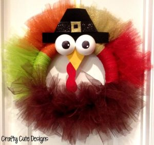 Yes, I know it's another tulle turkey wreath. But it's quite adorable just the same, especially with those ping pong ball eyes.